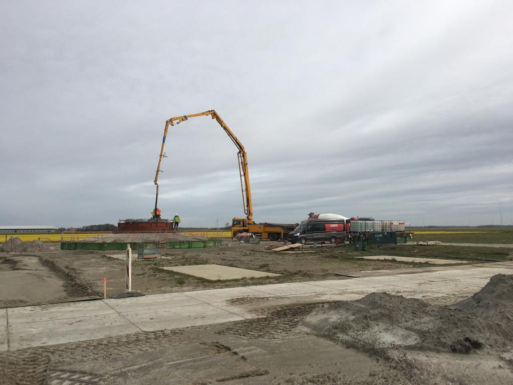 Helft windturbines in Windpark Wieringermeer geplaatst