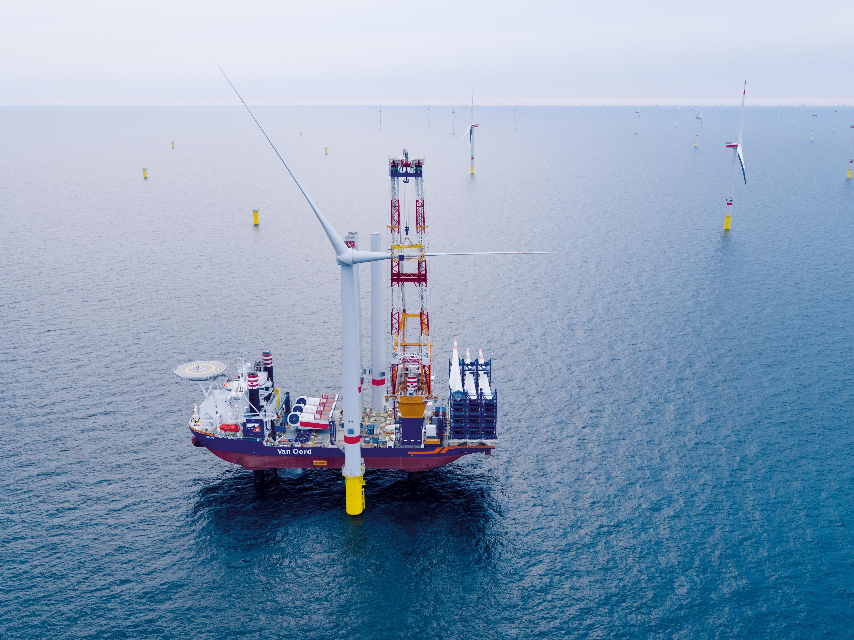 Turbine installation at North Sea wind farm Deutsche Bucht is pr
