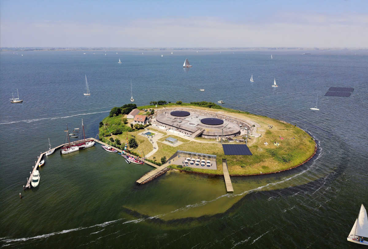 Windenergie gaat bijdragen aan duurzaam en zelfvoorzienend Forteiland Pampus