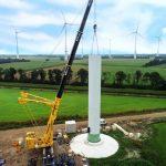 Eerste windturbine in Windpark Weijerswold gereed