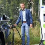 Windpark Kloosterlanden 'laadt' nieuwe laadpalen in Deventer